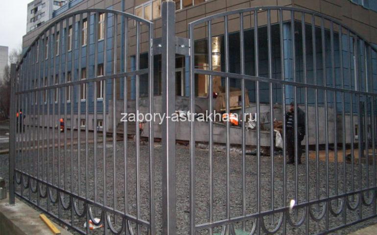 забор из профтрубы в Астрахани