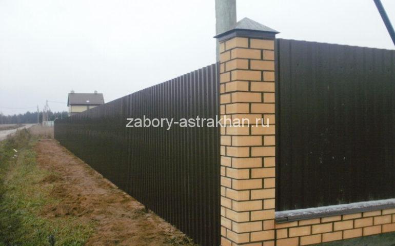 забор для дома из профлиста